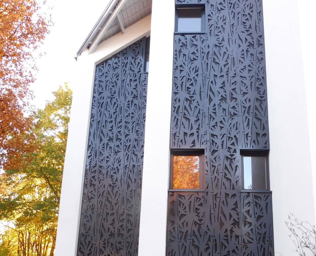 façade en tôle décorative